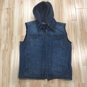 FOREVER21 MEN JEAN VEST WITH HOOD (Sz L)